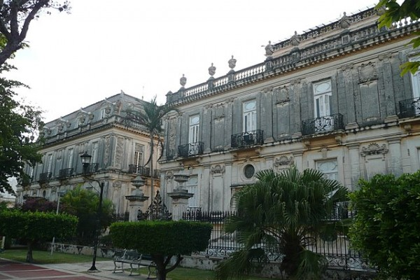 640px-old-mansions-on-the-paseo-de-montejo-in-merida-300072119306D2E578-F529-CF8A-D976-8AB51FEC0DC8.jpg